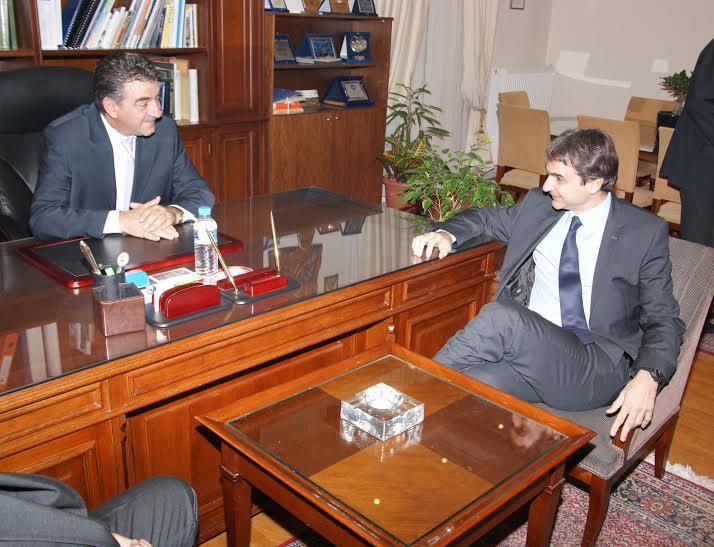 Επίσκεψη από τον Υπουργό Διοικητικής Μεταρρύθμισης και Ηλεκτρονικής Διακυβέρνησης κ. Κυριάκο Μητσοτάκη δέχθηκε  ο Δήμαρχος Γρεβενών κ. Γιώργος Δασταμάνης