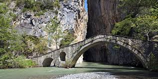 Ετοιμάζεται η μελέτη του δρόμου Σπηλαίου – Πορτίτσας. Ένα έργο τουριστικό με συνεργασία Περιφερειακής Ενότητας Γρεβενών – Δήμου. Οι  πιστώσεις θα δοθούν από την Περιφερειακή Ενότητα.