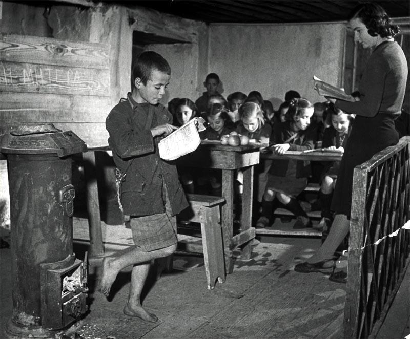 ∆ιδάσκαλος από το Βαντζικόν ( Κυδωνιές ΓΡΕΒΕΝΩΝ ) στο Βιβίστι (Εκκλησιά) Γρεβενών