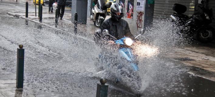 Τι αλλάζει στις άδειες οδήγησης μοτοποδηλάτων: Εως τις 18 Ιανουαρίου η αντικατάσταση