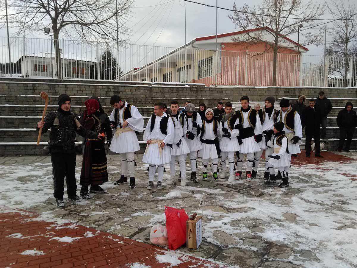 Πραγματοποιήθηκαν την Πρωτοχρονιά οι εκδηλώσεις των «ρουγκουτσαριών 2015» από τον Πολιτιστικό Σύλλογο  Αμυγδαλιών (video)