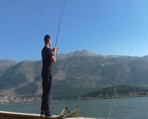Ψάρεμα στις λίμνες και στα ποτάμια των Γρεβενών (video)
