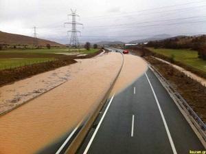 Κλειστή η Εγνατία Οδός στο κομμάτι Κοζάνη – Καλαμιά – Πλημμύρισε λόγω της έντονης βροχόπτωσης (Φώτο & Βίντεο)