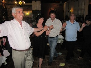 """Αποχαιρετιστήριο γλέντι του χορευτικού συλλόγου Γρεβενιωτών Κοζάνης """"O ΑΙΜΙΛΙΑΝΟΣ"""" (Φωτογραφίες)"""