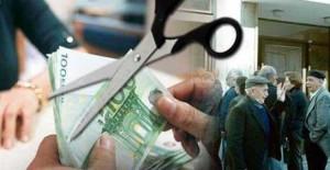 Σοκ για 2,5 εκατομμύρια συνταξιούχους τον επόμενο μήνα – Πόσο μειώνονται κύριες και επικουρικές