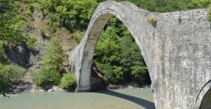 Ιωάννινα: Θεμέλια για το ιστορικό γεφύρι της Πλάκας