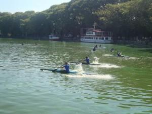 «Χρωμάτισαν» τα νερά της Παμβώτιδας ανοίγοντας τον 9ο Γύρο Λίμνης Ιωαννίνων