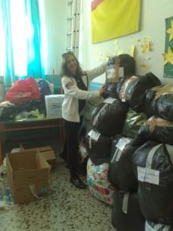 Ρούχα και τρόφιμα για τους πρόσφυγες από το 3ο Δημοτικό σχολείο Γρεβενών (φωτογραφίες)