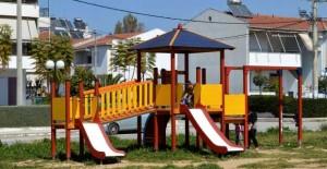 ΥΠΕΣ: Η ευθύνη στους δήμους αν γίνει ατύχημα σε ακατάλληλη και μη σφραγισμένη παιδική χαρά