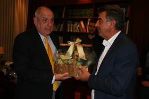 Ο Τέρενς Κουίκ στον Δήμαρχο Γρεβενών κ. Γιώργο Δασταμάνη