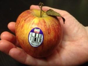 ΠΡΟΣΕΞΤΕ ΚΑΛΑ τα φρούτα που καταναλώνετε-Δείτε τι σημαίνουν τα νούμερα στις ετικέτες τους!
