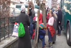 Γρεβενά:Σε απελπισία οι πρόσφυγες-Επιχείρησαν να φτάσουν στην Ειδομένη με τα πόδια (video)