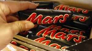 Παγκόσμιο σκάνδαλο: 55 χώρες ανακαλούν Mars και Snickers – Και η Ελλάδα ανάμεσά τους