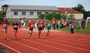 Αθλητικά σφηνάκια και άλλα: Θαυμασμός για το ταρτάν του ΔΑΚ Γρεβενών – Κατάμεστες οι κερκίδες του γηπέδου του Βατολάκκου στον προχθεσινό αγώνα