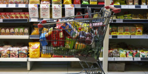 ΙΕΛΚΑ: Αυξήθηκαν κατά 75% οι συντελεστές του ΦΠΑ στα τρόφιμα