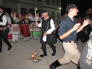 Το χορευτικό του συλλόγου Γρεβενιωτών Κοζάνης στην Χαλάστρα Θεσσαλονίκης (φωτογραφίες)