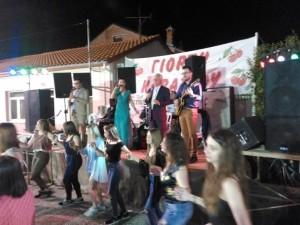 Με τεράστια επιτυχία και τη συμμετοχή πάρα πολύ κόσμου  πραγματοποιήθηκε η δημοτική βραδιά της 21ης Γιορτής Κερασιού