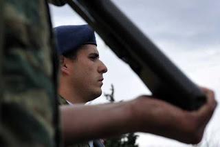 Μειώνεται η Στρατιωτική θητεία για τους άνω των 35 ετών