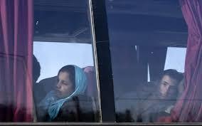 Στο δρόμο τέσσερα λεωφορεία με 142 πρόσφυγες από την Κεντρική Μακεδονία προς τα Γρεβενά