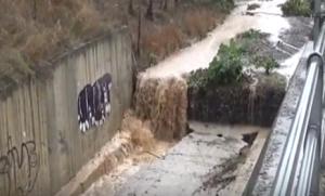 ΄΄Φούσκωσαν ΄΄ όλα τα ποτάμια μέσα και γύρω από την πόλη των Γρεβενών από τις καθημερινές καταιγίδες (βίντεο)