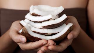 Λάδι καρύδας, το θαυματουργό: 10 χρήσεις του που ίσως δεν ξέρατε