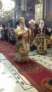 Πρωτοχρονιάτικη Θεία Λειτουργία στον Ι. Μητροπολιτικό Ναό της Ευαγγελιστρίας (φωτογραφίες)