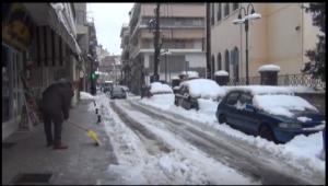 Τι λένε οι Γρεβενιώτες για τα χιόνια. Από πότε είχε να ρίξει τόσο χιόνι στα Γρεβενά (βίντεο)