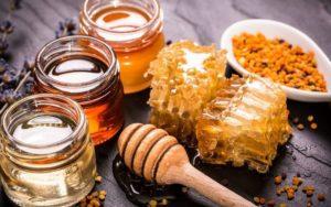 Το απλό κόλπο για να καταλάβεις πότε το μέλι είναι νοθευμένο