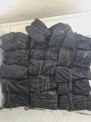 Φλώρινα: Τον έπιασαν να μεταφέρει 313 κιλά ακατέργαστης κάνναβης με 4 γαϊδούρια