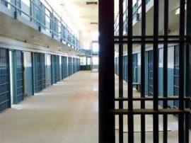 Έπιασαν τον δραπέτη από τις φυλακές Γρεβενών που είχε ψεκάσει τους αστυνομικούς στην Αθήνα