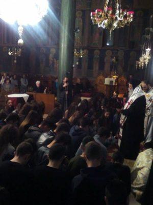 Θεία Λειτουργία για τους υποψηφίους των Πανελληνίων (φωτογραφίες)