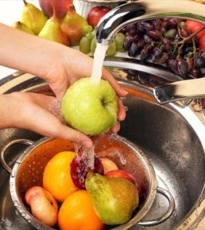 Πώς να ξεπλύνετε τα φρούτα και τα λαχανικά σας από τα φυτοφάρμακα