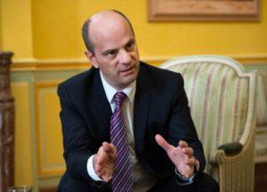 Γαλλία: Ο νέος υπουργός Παιδείας ανακοίνωσε ότι θα ενισχύσει τη διδασκαλία των αρχαίων Ελληνικών