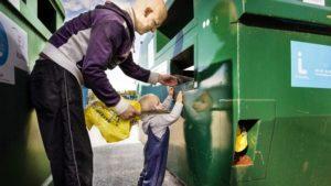 Η Σουηδία ξέμεινε από σκουπίδια!
