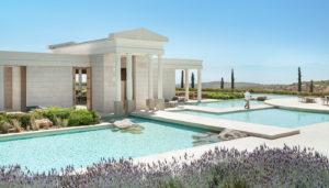 Το πιο ακριβό ξενοδοχείο της Ευρώπης βρίσκεται στην Ελλάδα και μοιάζει με αρχαίο ναό(φωτογραφίες)
