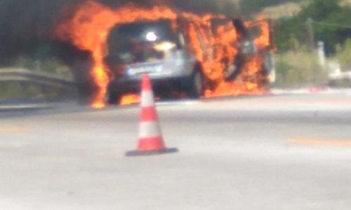Φωτιά σε ΙΧ αυτοκίνητο στα διόδια Πολύμυλου στην Εγνατία Οδό (Φωτογραφία)
