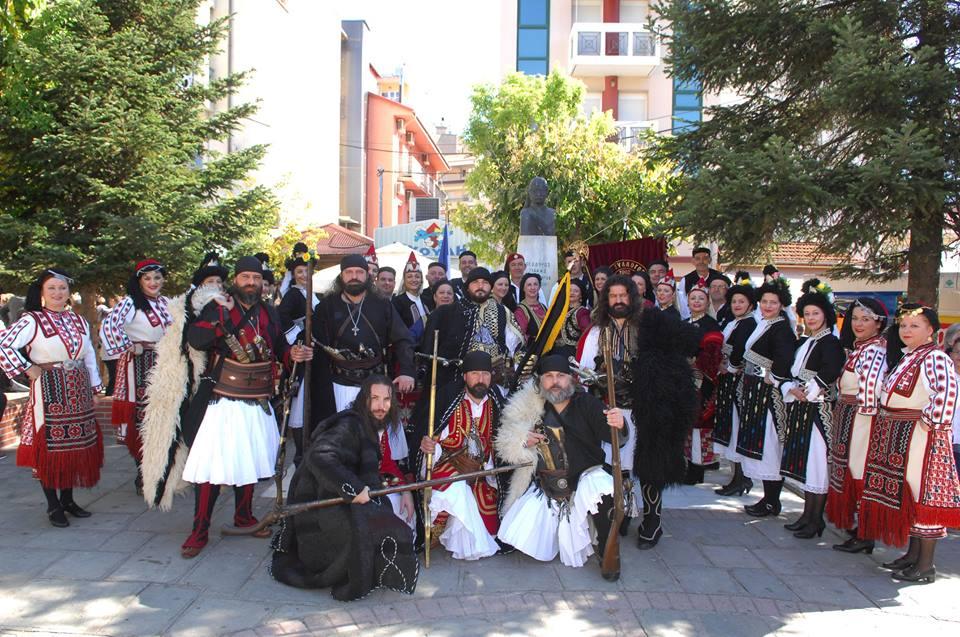 Συμμετοχή του συλλόγου ~Πίνδος~ στην παρέλαση  για την απελευθέρωση της πόλης των Γρεβενών (φωτογραφίες)