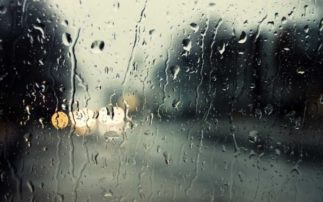 Καταρρακτώδεις βροχές πλήττουν τον Νομό Γρεβενών-Απροσπέλαστοι πολλοί επαρχιακοί και περιφερειακοί δρόμοι που δεν καθαρίστηκαν τα αυλάκια τον Σεπτέμβριο-Οκτώβριο