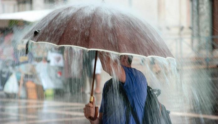 Βροχές και σποραδικές καταιγίδες το Σαββατοκύριακο