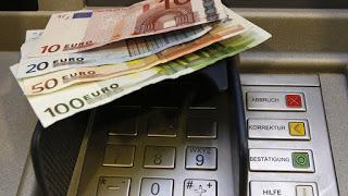 «Χαλαρώνουν» τα capital controls – Το νέο μηνιαίο όριο αναλήψεων
