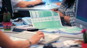 Λήγει σήμερα η προθεσμία υποβολής φορολογικών δηλώσεων -«Τσουχτερά» πρόστιμα για καθυστερήσεις και λάθη