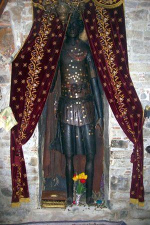 """Το υπερφυσικό και θαυματουργό βυζαντινό """"ξόανο"""" του Αγίου Γεωργίου στην Ομορφοκκλησιά Καστοριάς"""