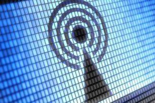 Ξεκινούν σήμερα οι αιτήσεις για σημεία δωρεάν WiFi σε δήμους. Τι πρέπει να κάνουν οι δήμοι