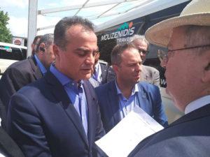 Στις Πρέσπες χθες ο περιφερειάρχης  Δυτικής Μακεδονίας Θ. Καρυπίδης. Παρέδωσε το ψήφισμα του Περιφερειακού Συμβουλίου Δυτικής Μακεδονίας