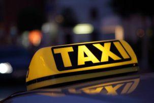 Αλλάζουν όλα: Πρόστιμα-φωτιά έως 4.000 ευρώ και αφαίρεση άδειας στους αγενείς ταξιτζήδες