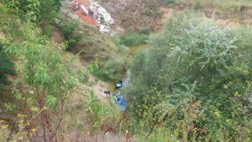 Καστοριά: Δείγματα ύποπτου υλικού προς ανάλυση απ' τα βαρέλια που βρέθηκαν στο Ε.Ο. δίκτυο Άργους Ορεστικού- Μηλίτσας