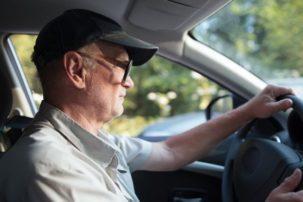 Δίπλωμα οδήγησης: Φρένο στους ηλικιωμένους οδηγούς- Με νέα εξέταση η ανανέωση για τους άνω των 74 ετών