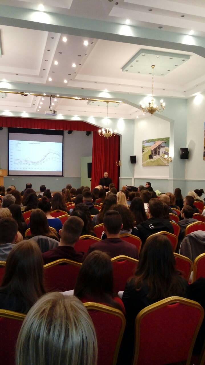 Εκδήλωση για το Νέο Λύκειο και τον Επαγγελματικό Προσανατολισμό από τα φροντιστήρια ΧΡΥΣΗ ΤΟΜΗ και Πράξη&Θεωρία (φωτογραφίες)
