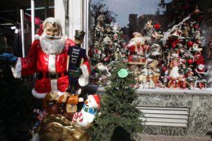 Εορταστικό ωράριο: Πώς θα λειτουργήσουν τα καταστήματα σήμερα και μέχρι την Πρωτοχρονιά