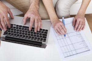 Για πρώτη φορά ξεχωριστές φορολογικές δηλώσεις συζύγων – Το πλεονέκτημα με τις επιστροφές φόρων